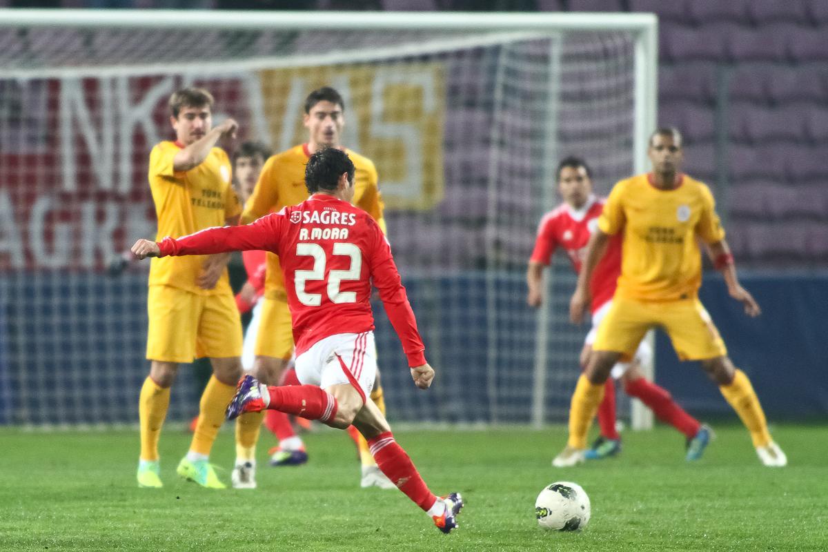 Strike-Champions-League-match-Benfica-Galatasaray-Geneva-Switzerland-November-2011
