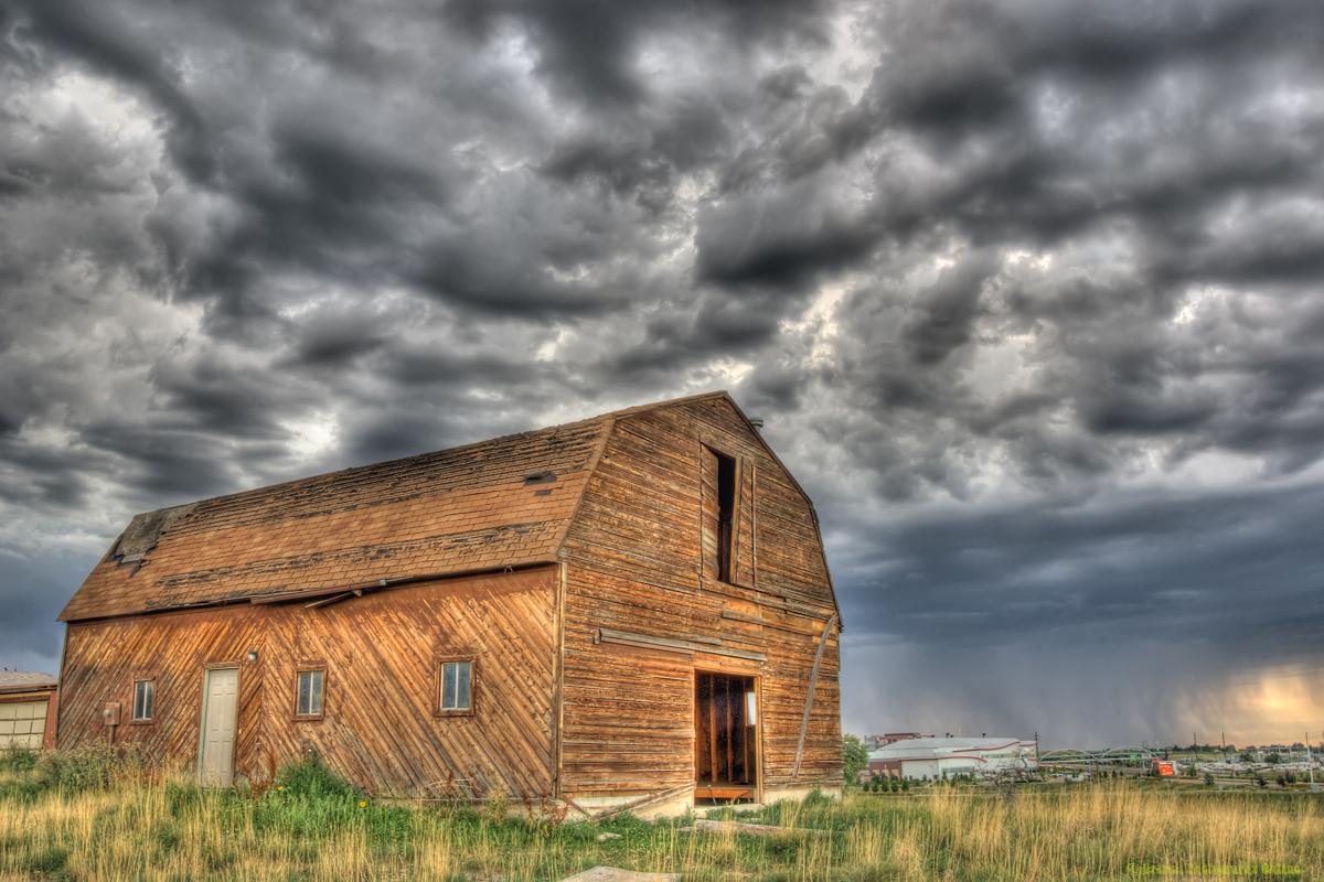 colorado-barn-tstorm-hdr