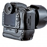Nikon D7000 with Expert Shield Screen Protector installed