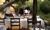 Calm-before-the-lunch-service-at-la-Colombe-DOr-@CelinaLafuenteDeLavotha-599x800