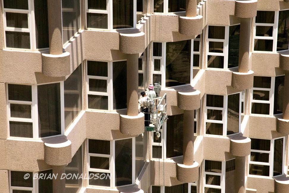 window-washers-kuwait-1