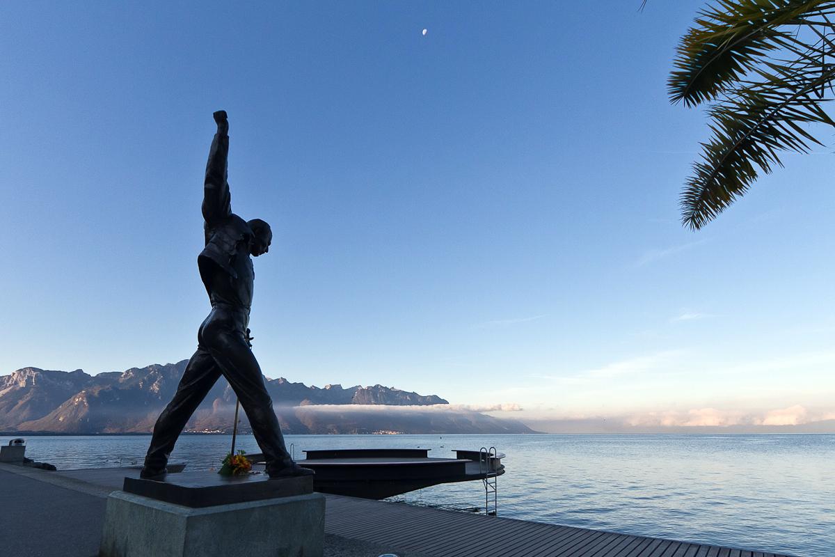Its-a-beautiful-day-Freddie-Mercury-statue-Montreux-Switzerland-January-2012