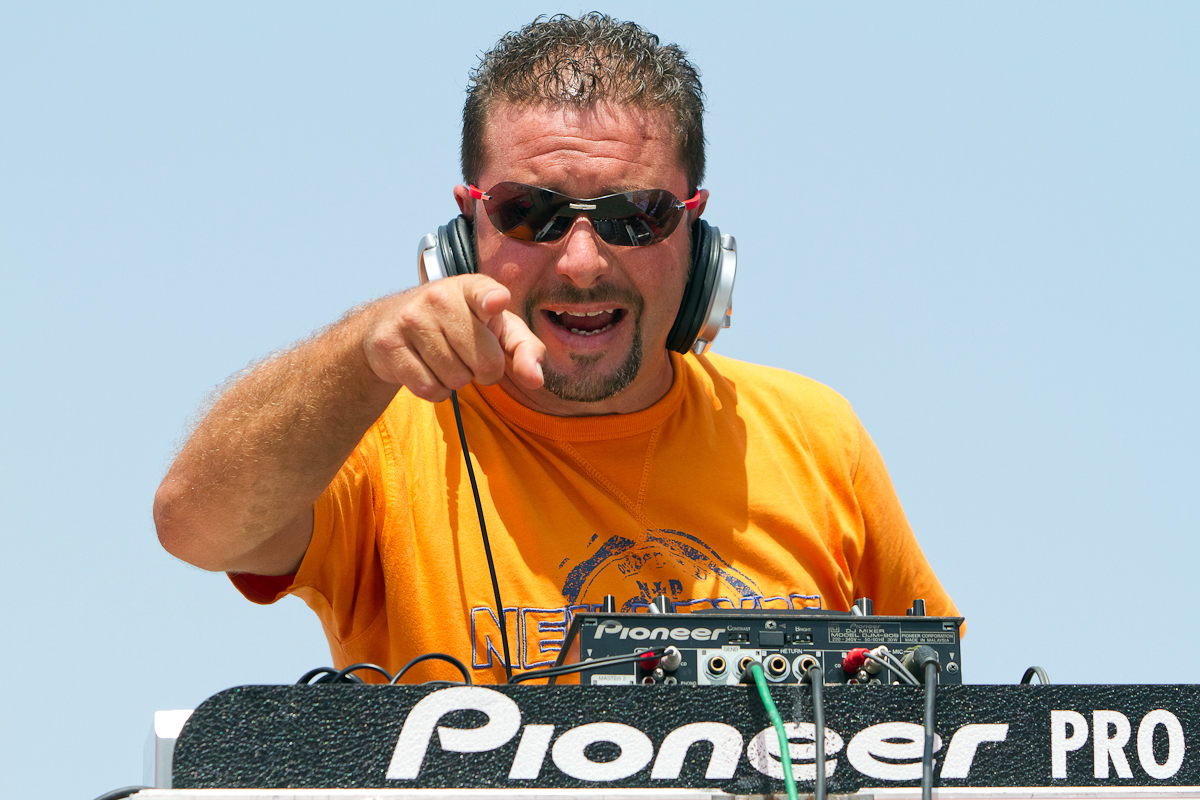 Pump-it-up-DJ-Gianchy-Beach-Volleyball-Protour-Sicily-Italy-July-2011-